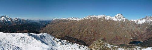 Панорама хребта Аишха и озера Кардывач