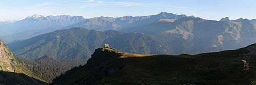 Панорама с хребта Аибга