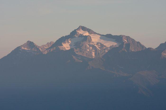 Чугуш (3238,2 м)