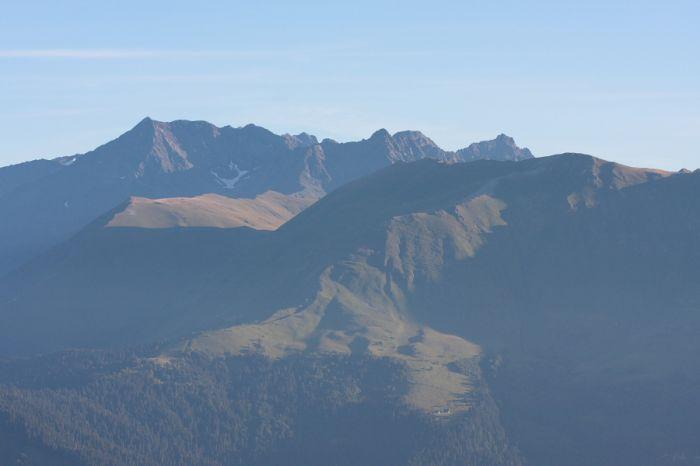 Хребет Аишха и пик Сахарный Псеашхо (3188,9 м)