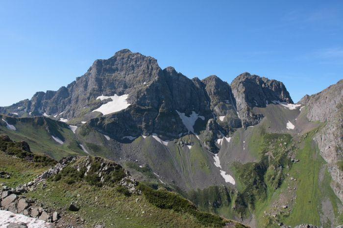 Чёрный пик (2980 м)