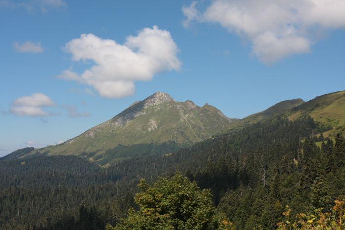 Третий пик Аибги (2462 м)