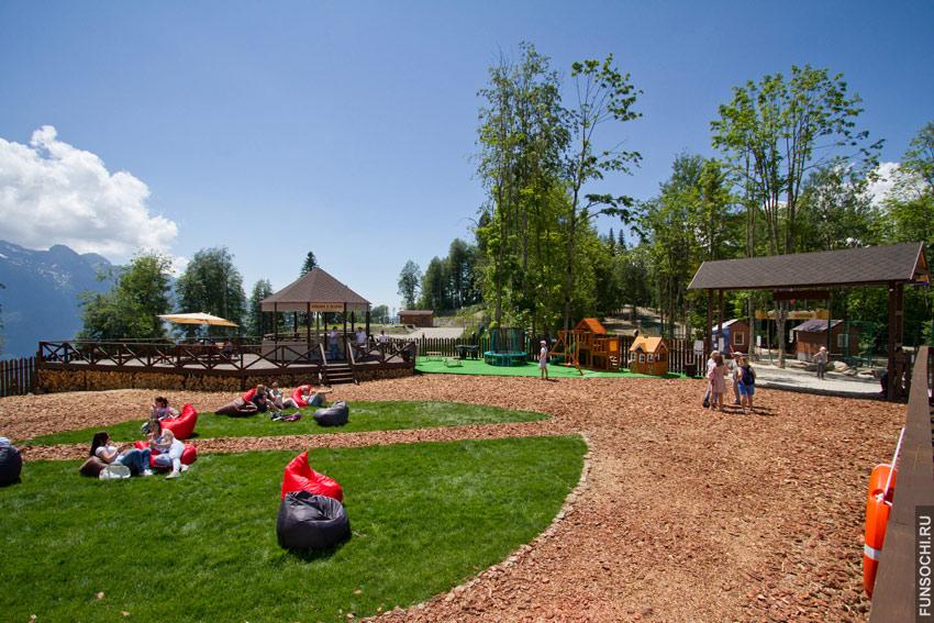 игровая площадка в хаски-парке