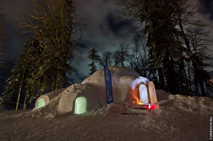 Отель из снега в Красной Поляне