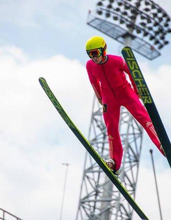 Летние прыжки на лыжах с трамплинов «Русские горки»
