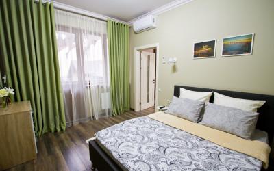 Семейный апартамент САНАпарт в Розмарин-2