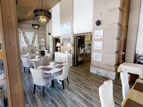 Интерьер ресторана Alen Rosso на Роза Хутор