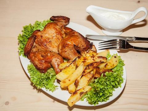 Курица гриль в Шашлычной в Красной Поляне.