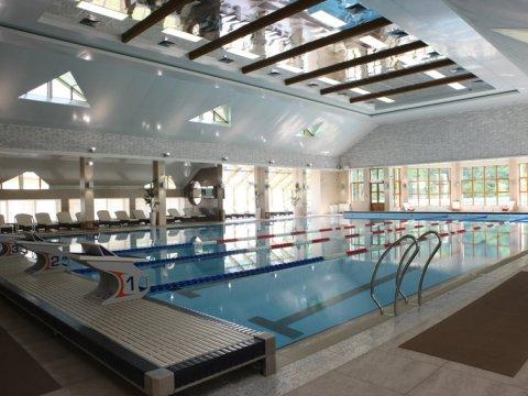 Крытый плавательный бассейн круглый год 25 м в Красной Поляне