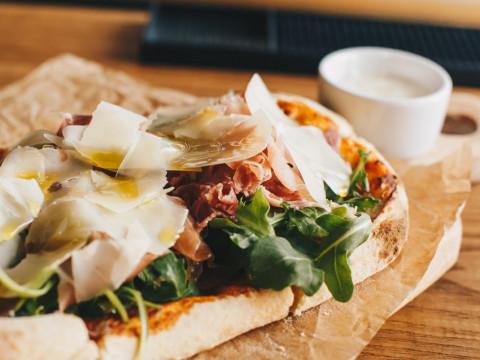 Вкусная пицца в Красной поляне на курорте Горки Город