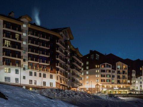 Rosa Ski Inn, корпуса В и А зимой