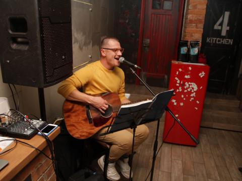 Живая музыка в кафе Б67