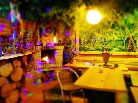 """Камин в СПА-банном комплексе """"Банная Сказка"""" в Роза Хутор, Красная Поляна, Сочи."""