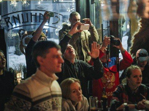 Гости, гастро-бар Станция, Роза Хутор, Красная Поляна, Сочи.