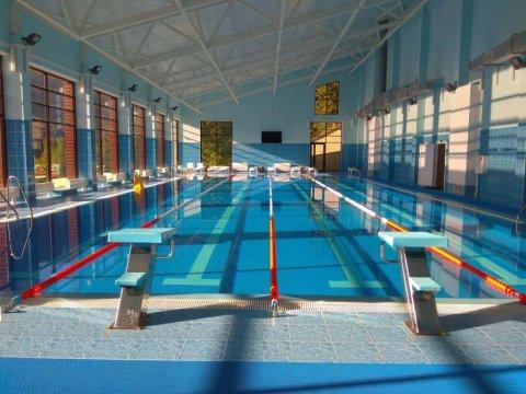 25-метровый крытый бассейн в комплексе отдыха Беларусь