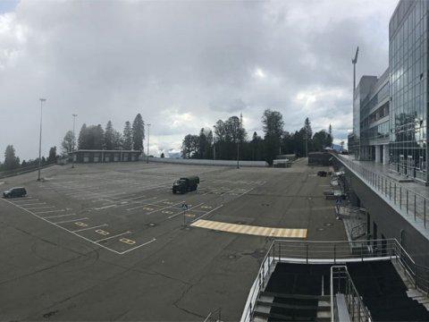 Парковка у биатлонного стадиона на Газпроме