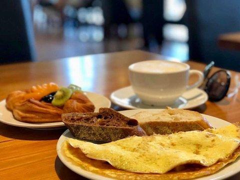 Недорогие завтраки и бизнесс ланчи на Роза Хутор