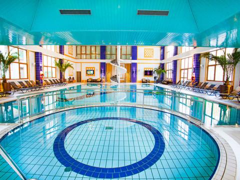 Крытый плавательный бассейн 19 метров в горах Сочи