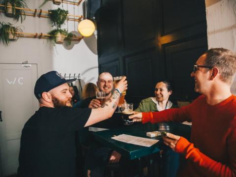 Спортивные трансляции в баре Как Мы Любим в Красной Поляне