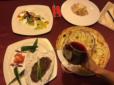 Романтический ужин в итальянском ресторане в горах Сочи