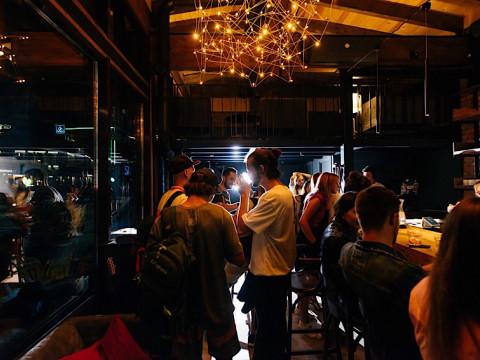 Атмосфера в баре LIFT.