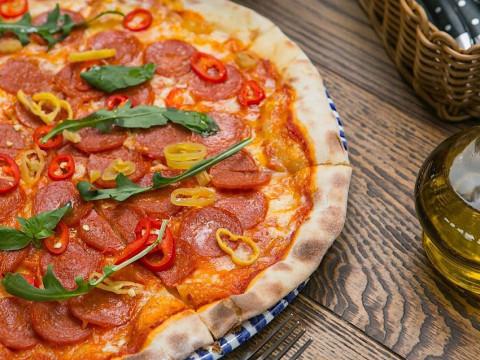 Пицца в ресторане Груша на Роза Плато в Красной Поляне