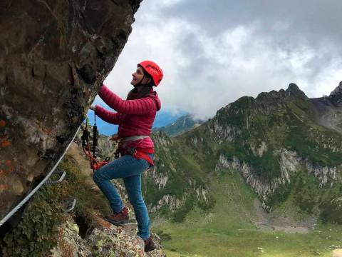 Красивый скальный маршрут в Красной Поляне без подготовки