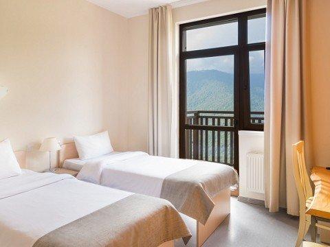 Уютные двухместные номера в горах, отель Riders Lodge, Роза Хутор